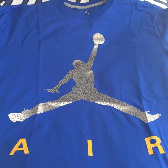 7dd04ff7d9f2 Men s Jordan jumpman air tshirt nwt today sale